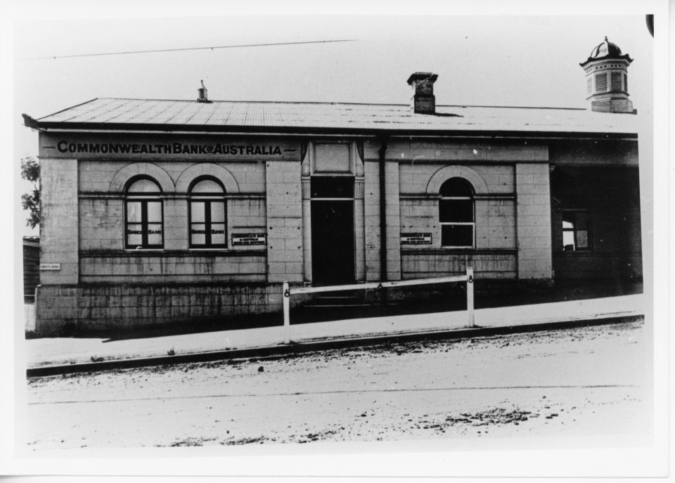 pre 1927 Commonwealth Bank in old Courthouse Lands Office Channon Street