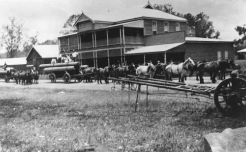 Hotel Woolooga, ca. 1920
